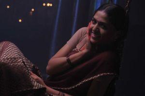 05sunaina stills in Yathumagi movie